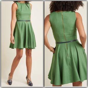 Closet London BRAND NEW Green dress
